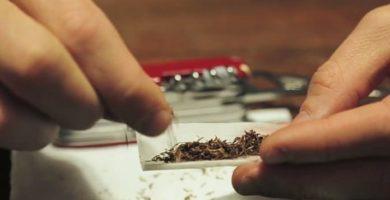 cómo saber si mi hijo fuma porros.